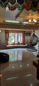 Gallery Cover Image of 1550 Sq.ft 3 BHK Apartment for rent in Atur Salisbury Towers, Gultekdi for 35000