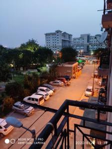 Gallery Cover Image of 515 Sq.ft 1 BHK Apartment for buy in RWA LIG Flats Sarita Vihar, Sarita Vihar for 4100000