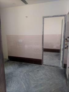 Gallery Cover Image of 500 Sq.ft 2 BHK Independent Floor for rent in Sector 19 for 7500