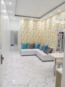 Gallery Cover Image of 800 Sq.ft 2 BHK Independent Floor for buy in Sector 31 for 3500000