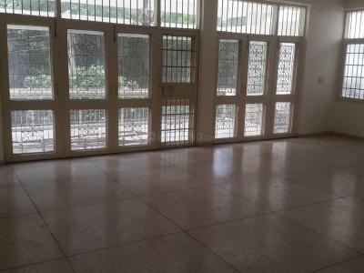 Gallery Cover Image of 5400 Sq.ft 3 BHK Apartment for rent in Safdarjung Development Area for 120000