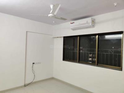 Gallery Cover Image of 760 Sq.ft 2 BHK Apartment for rent in Andheri West for 65000