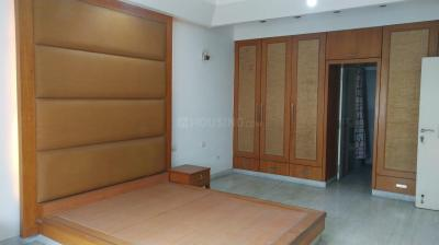 Gallery Cover Image of 2800 Sq.ft 3 BHK Apartment for rent in Banjara Hills for 90000