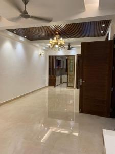 Gallery Cover Image of 1400 Sq.ft 3 BHK Apartment for buy in Gyan Khand for 6350000