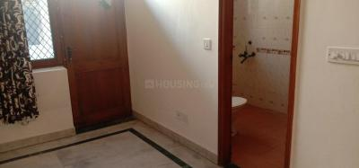 Gallery Cover Image of 350 Sq.ft 1 RK Independent Floor for rent in Sector 39 for 9000