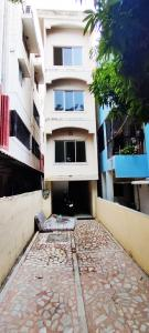 Gallery Cover Image of 1200 Sq.ft 2 BHK Apartment for rent in  Anna Nagar, Anna Nagar for 30000