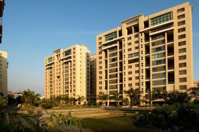 Gallery Cover Image of 2400 Sq.ft 4 BHK Apartment for rent in Pimple Nilakh for 45000
