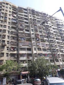 Gallery Cover Image of 625 Sq.ft 1 BHK Apartment for rent in Kandivali East for 20000
