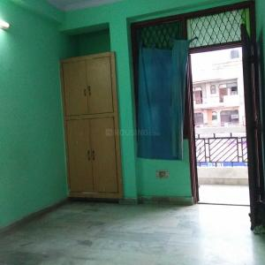 Gallery Cover Image of 800 Sq.ft 2 BHK Independent Floor for buy in Shalimar Garden for 2600000