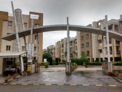 Gallery Cover Image of 1998 Sq.ft 3 BHK Apartment for buy in Pacifica La Habitat, Thaltej for 10000000