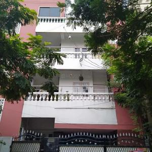 Gallery Cover Image of 6000 Sq.ft 2 BHK Apartment for buy in Yousufguda for 40000000