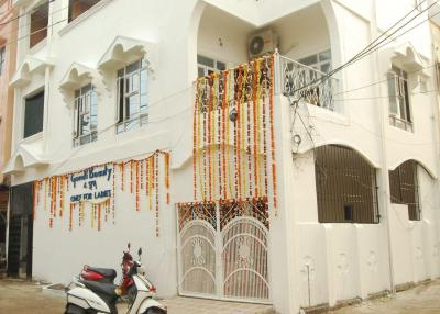Gallery Cover Image of 1000 Sq.ft 1 BHK Independent House for rent in Gomti Colony for 6500