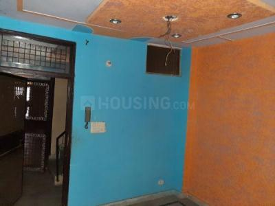 Gallery Cover Image of 700 Sq.ft 1 BHK Independent Floor for rent in Dwarka Mor for 7000