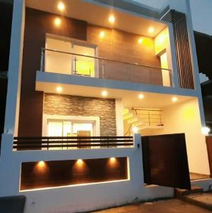 Gallery Cover Image of 1647 Sq.ft 3 BHK Villa for buy in Gomti Nagar for 6750000