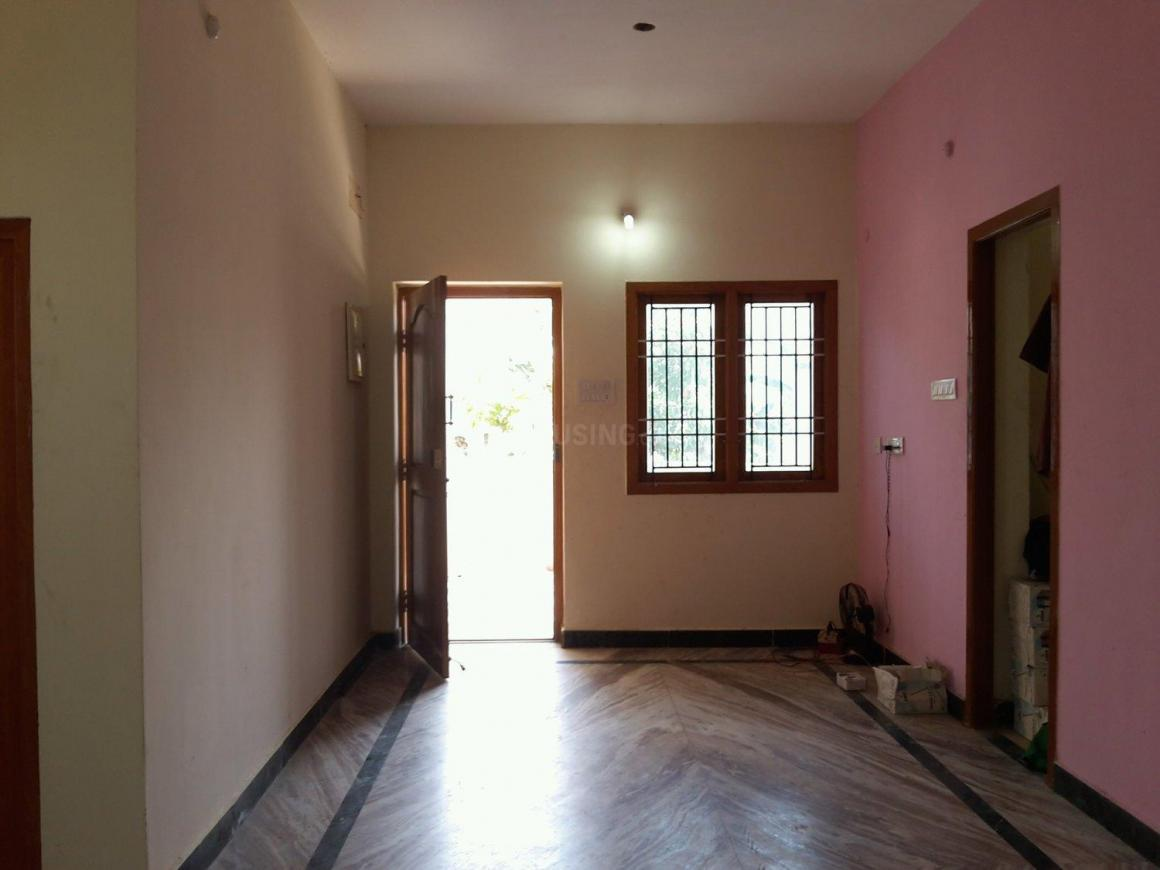 Living Room Image of 848 Sq.ft 2 BHK Apartment for rent in Korattur for 10000