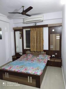 Gallery Cover Image of 1179 Sq.ft 2 BHK Apartment for buy in Vyapti Vandemataram City, Gota for 4700000