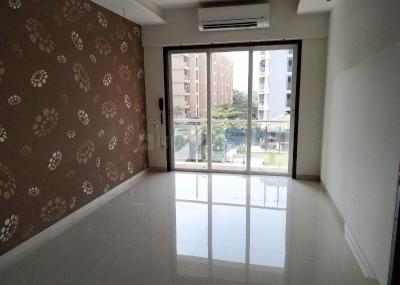 Gallery Cover Image of 1500 Sq.ft 3 BHK Apartment for rent in Kasarvadavali, Thane West for 27000