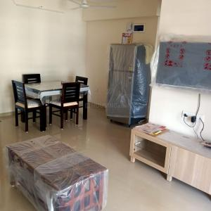 Gallery Cover Image of 1200 Sq.ft 2 BHK Apartment for rent in Lakhani Sky Waves, Ulwe for 20000