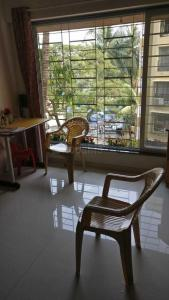 Gallery Cover Image of 672 Sq.ft 2 BHK Apartment for buy in Andheri West for 16500000