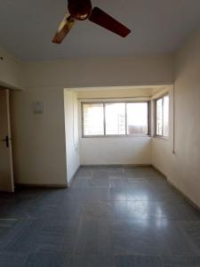 Gallery Cover Image of 800 Sq.ft 2 BHK Apartment for buy in Vrishi Complex, Borivali West for 16200000