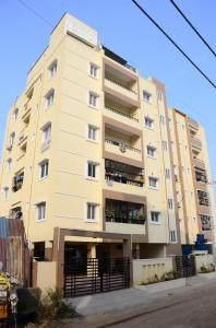 Gallery Cover Image of 1530 Sq.ft 3 BHK Apartment for buy in Balanagar for 7400000