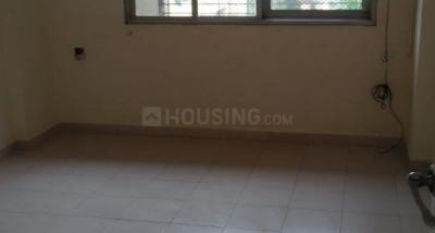 Gallery Cover Image of 575 Sq.ft 1 BHK Apartment for rent in RNA NG Suncity Phase III, Kandivali East for 19000