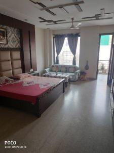 Gallery Cover Image of 4600 Sq.ft 5 BHK Independent Floor for buy in Punjabi Bagh for 60000000
