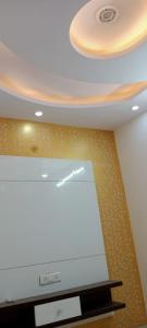 Gallery Cover Image of 2853 Sq.ft 5 BHK Villa for buy in Paschim Vihar for 200000000