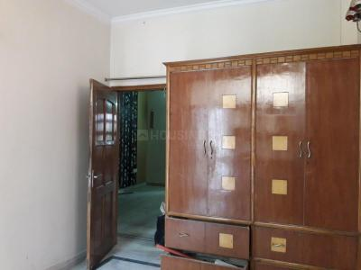 Gallery Cover Image of 680 Sq.ft 2 BHK Independent Floor for rent in Sector 8 Rohini for 16000