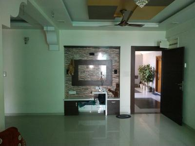 Gallery Cover Image of 1770 Sq.ft 3 BHK Apartment for rent in Vejalpur for 30000