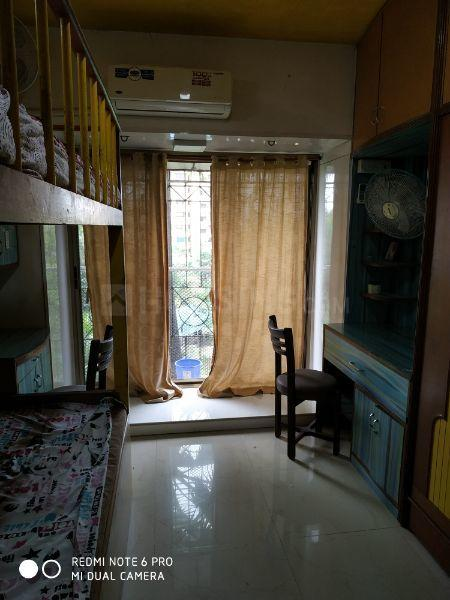 Bedroom Image of 650 Sq.ft 2 BHK Apartment for rent in Dahisar West for 24000