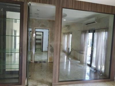 Gallery Cover Image of 3750 Sq.ft 4 BHK Independent Floor for rent in Nungambakkam for 150000