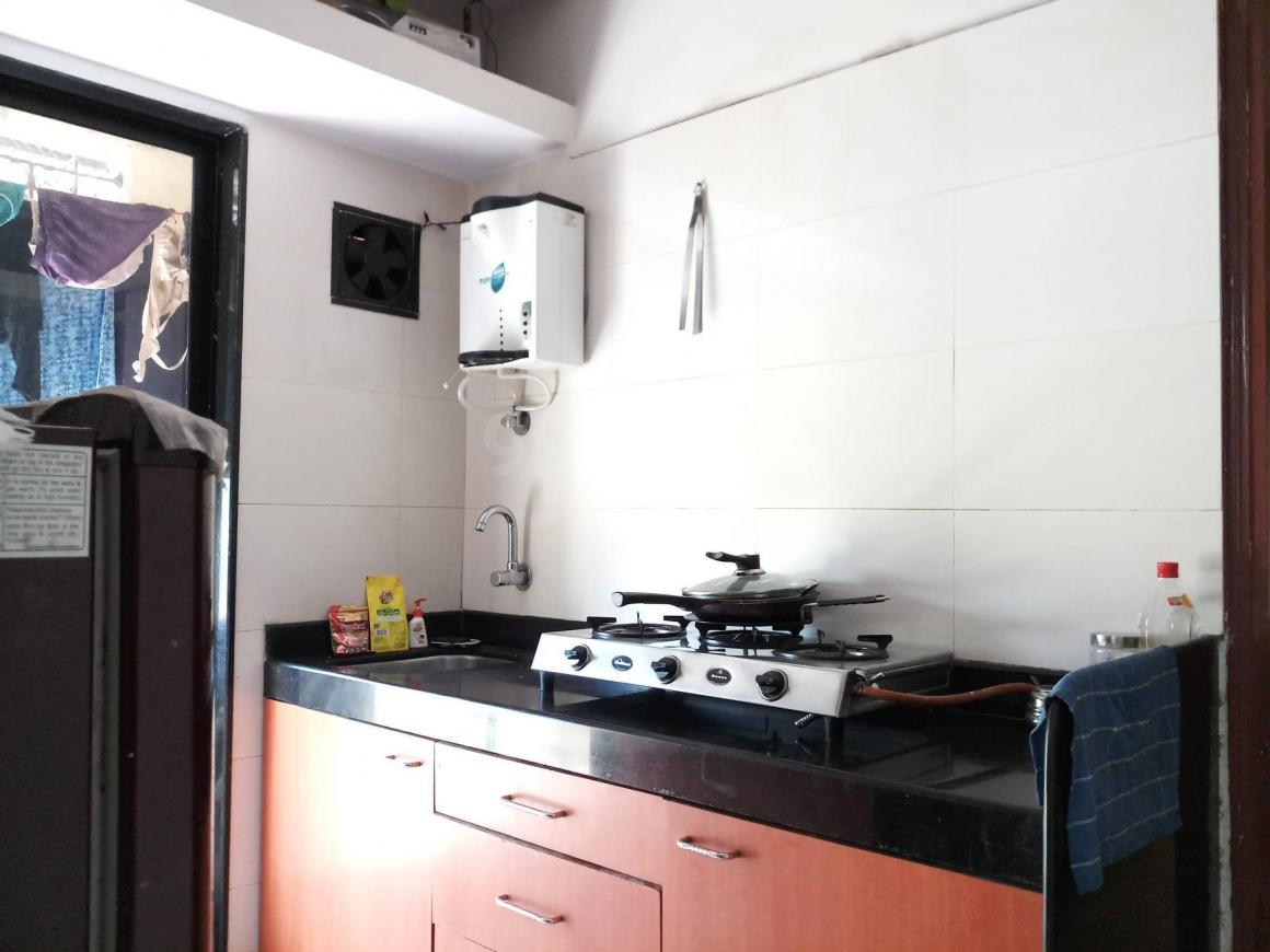 Kitchen Image of 650 Sq.ft 1 BHK Apartment for buy in Chembur for 9500000