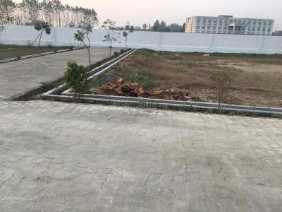 Gallery Cover Image of  Sq.ft Residential Plot for buy in Govindpuram for 400000