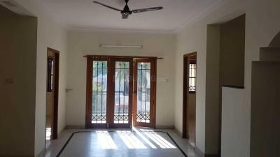 Gallery Cover Image of 1700 Sq.ft 3 BHK Apartment for rent in Nungambakkam for 40000
