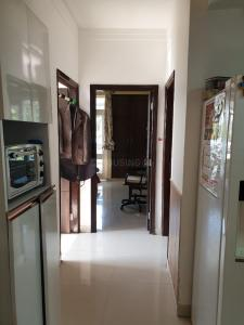 Gallery Cover Image of 3000 Sq.ft 4 BHK Independent Floor for buy in Jakhan for 10000000
