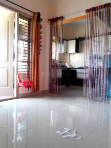 Gallery Cover Image of 1040 Sq.ft 2 BHK Apartment for rent in Hebbal Kempapura for 17000