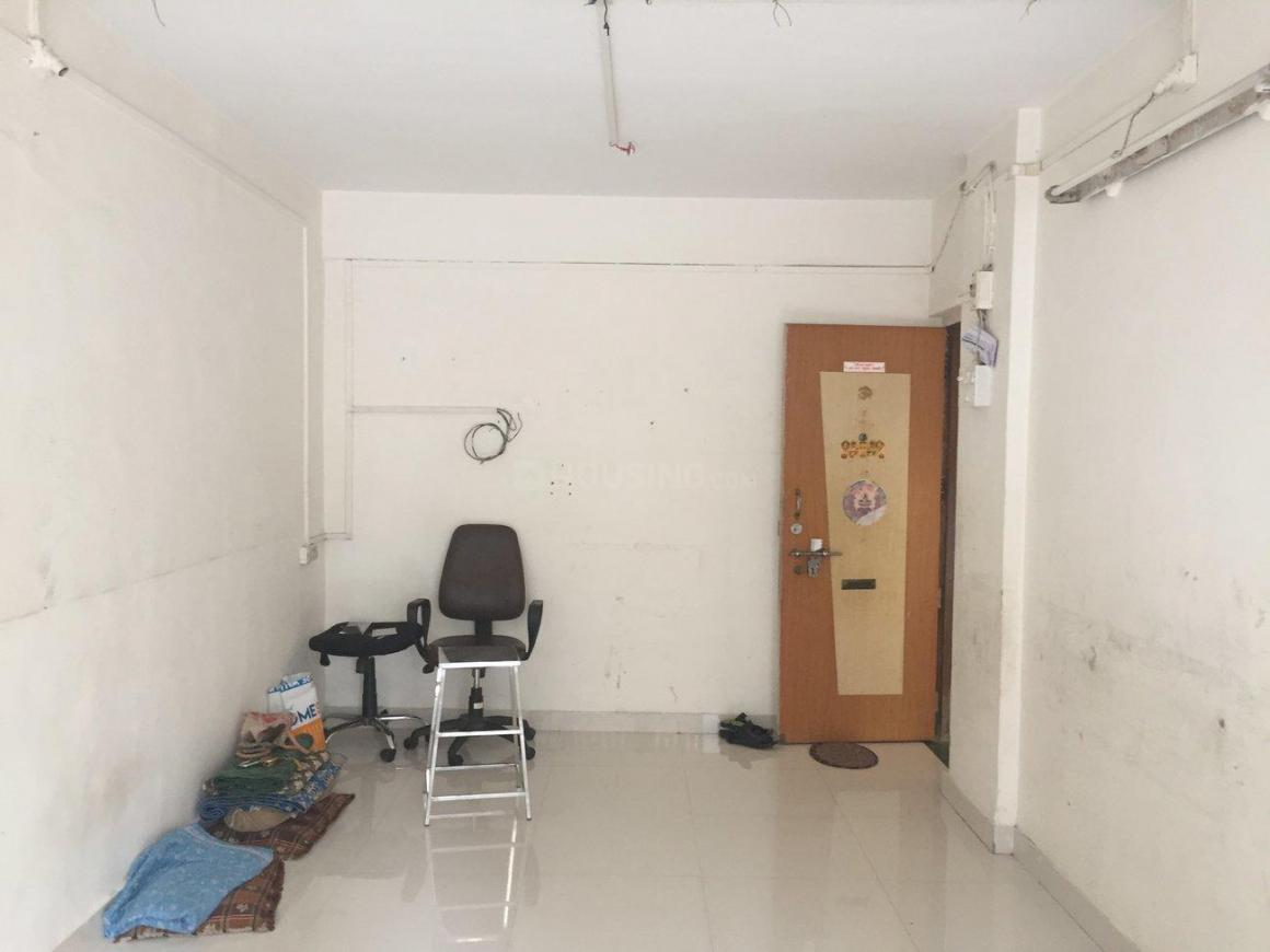 Living Room Image of 600 Sq.ft 1 BHK Apartment for rent in Kandivali East for 20000