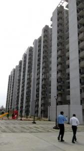 Gallery Cover Image of 900 Sq.ft 2 BHK Apartment for buy in Sector 107 for 3200000