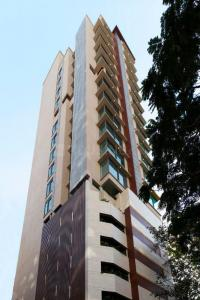 Gallery Cover Image of 2800 Sq.ft 3 BHK Apartment for buy in Tardeo for 175000000