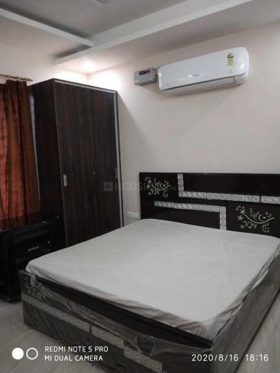 जय दादा पीजी इन सेक्टर 44 के बेडरूम की तस्वीर