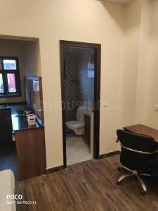 Gallery Cover Image of 430 Sq.ft 1 BHK Independent Floor for rent in Sector 17 for 12500