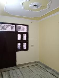 Gallery Cover Image of 490 Sq.ft 2 BHK Independent Floor for rent in Dwarka Mor for 6500