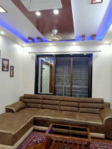 Gallery Cover Image of 1100 Sq.ft 3 BHK Apartment for buy in Palghar for 4300000