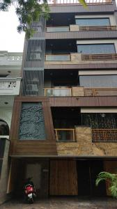 Gallery Cover Image of 2550 Sq.ft 4 BHK Independent Floor for buy in Preet Vihar for 35000000