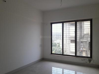 Gallery Cover Image of 600 Sq.ft 1 BHK Apartment for buy in Kandivali West for 9500000