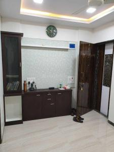 Gallery Cover Image of 450 Sq.ft 1 BHK Apartment for buy in Dheeraj Garden, Andheri East for 7800000