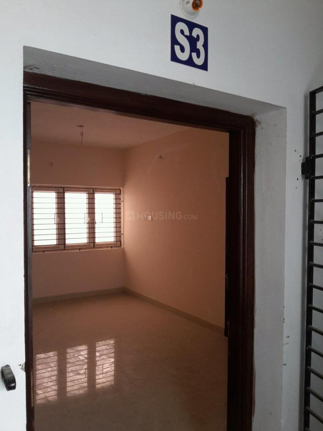 Main Entrance Image of 570 Sq.ft 1 BHK Apartment for buy in Selaiyur for 2622000