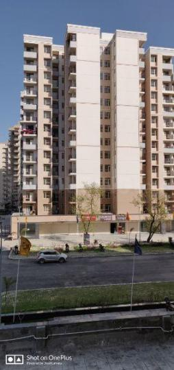 Building Image of 800 Sq.ft 3 BHK Apartment for buy in Sector 82 for 3200000