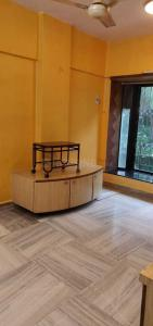 Gallery Cover Image of 700 Sq.ft 1 BHK Apartment for rent in Sai Pooja, Khar West for 55000